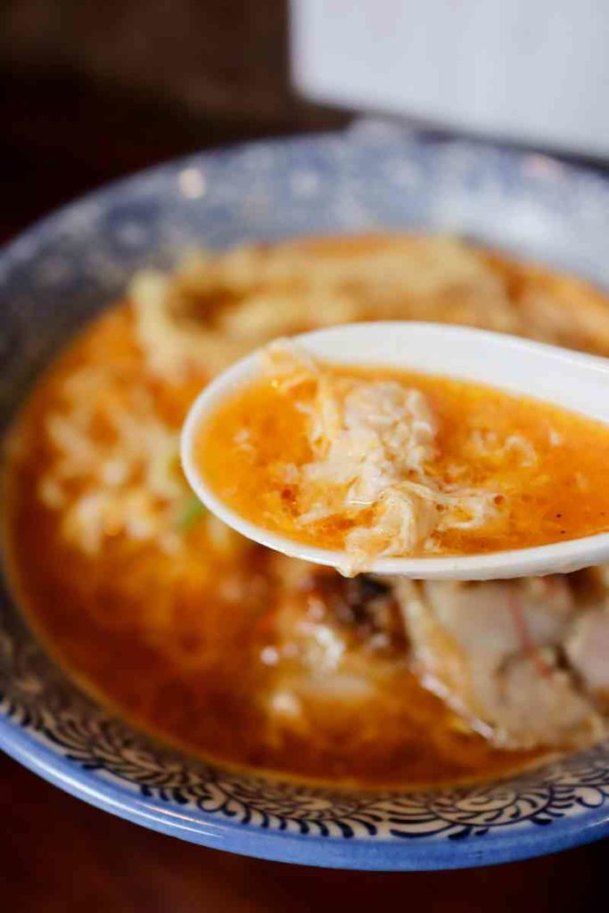 酸辣鶏白湯のスープ