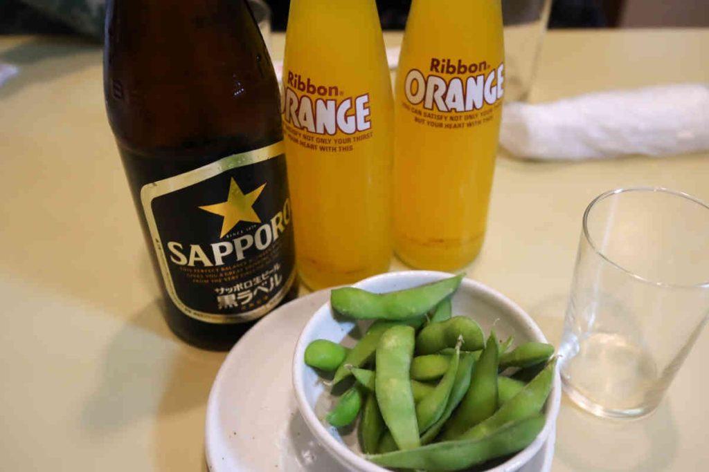 瓶ビール(中瓶)600円 ジュース 1本250円