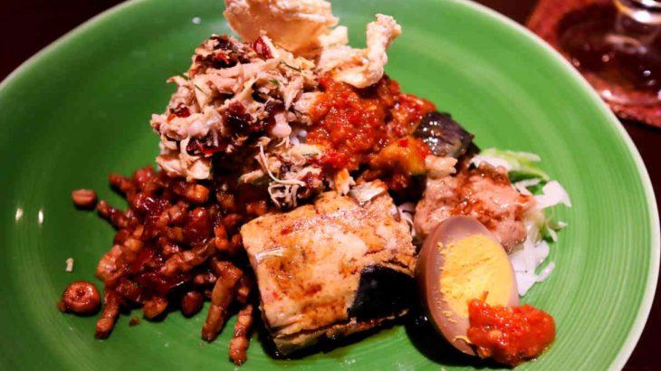 インドネシア料理専門店ブンガブランのビールと贅沢ナシ・チャンプルの相性バツグン