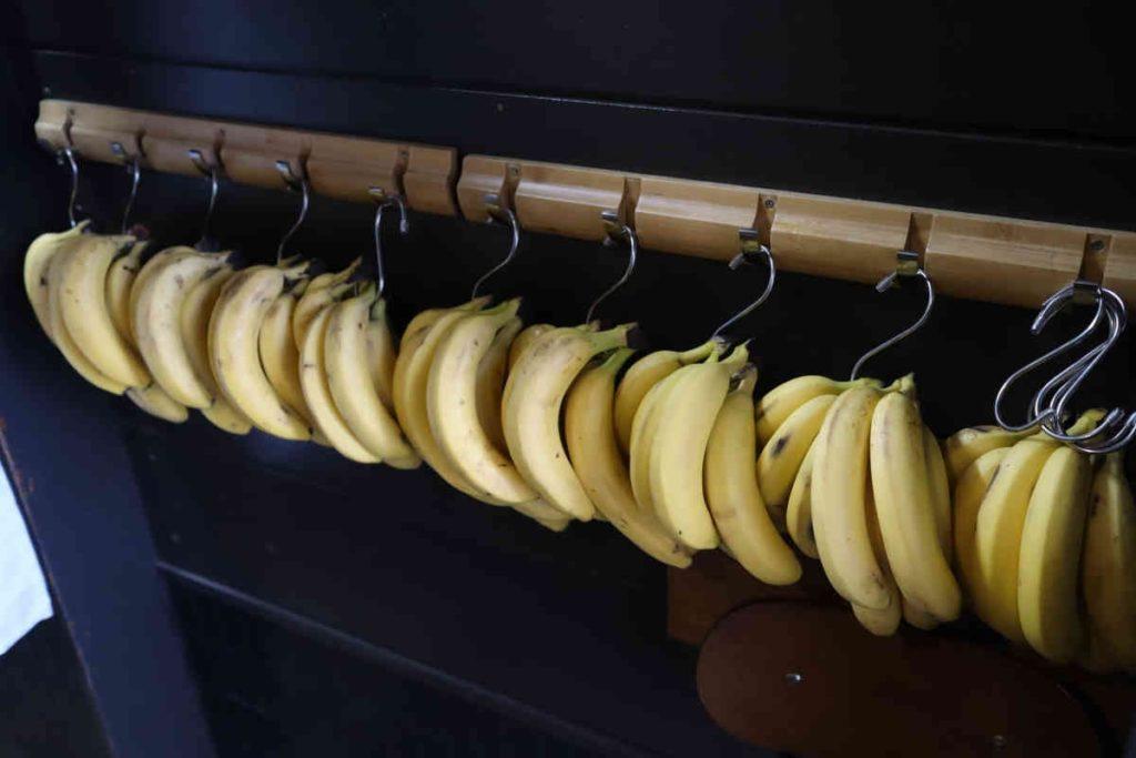 店内のバナナ