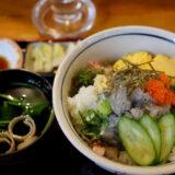 海鮮居酒屋『爺』の生シラス丼と日本酒赤武新酒生のマリアージュ