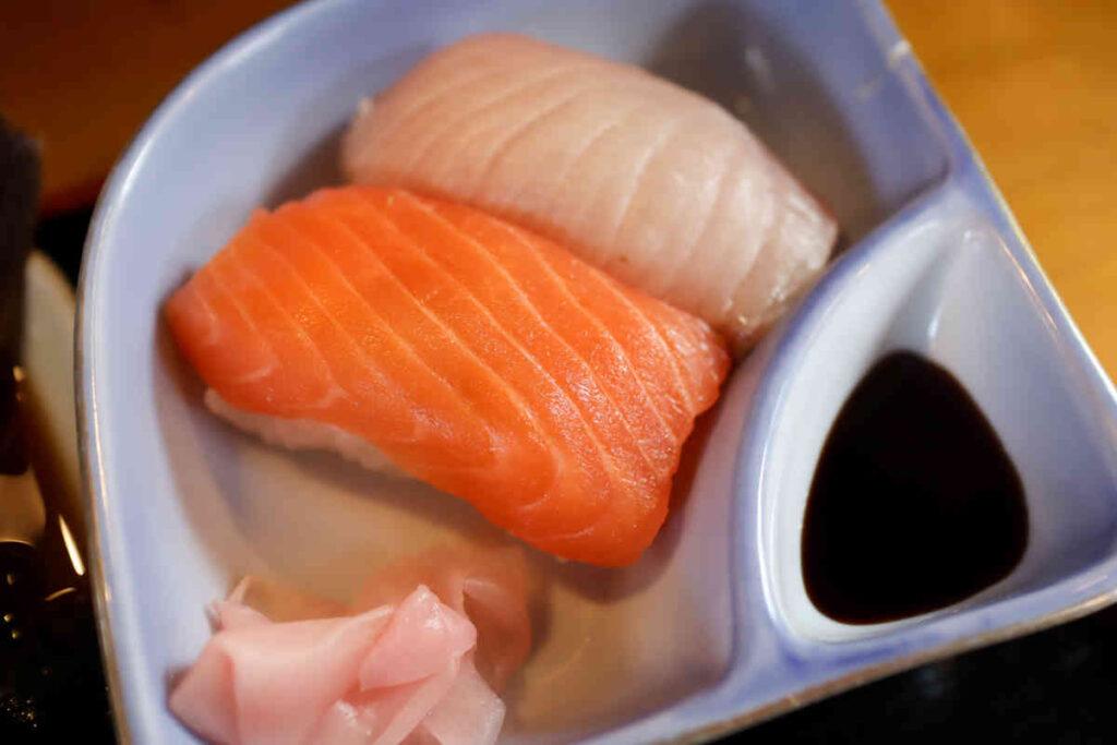 お寿司2貫