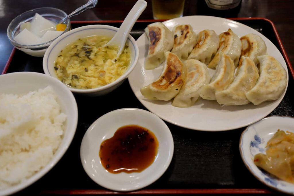 カレー風餃子定食