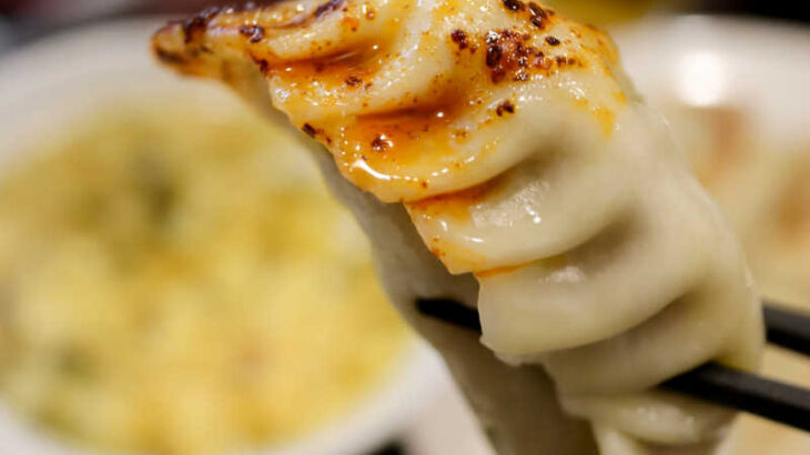 中華料理『家宴』のカレー風餃子定食と瓶ビールで町中華を堪能