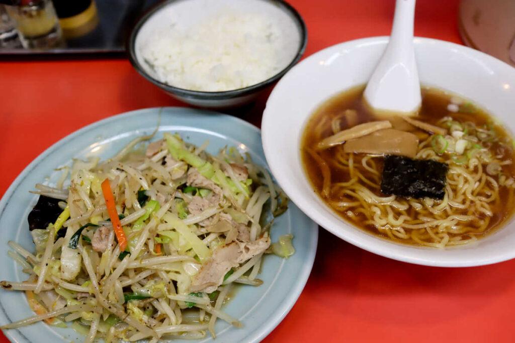 肉野菜炒めセット 850円