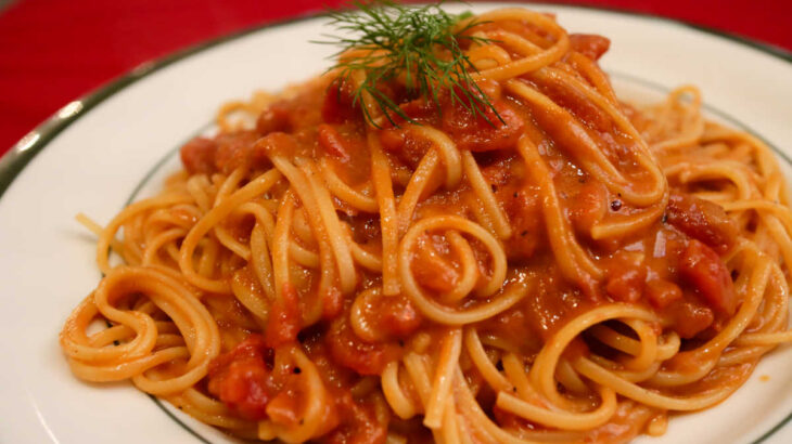 明大前 イタリア料理タヴェルナ バッカ カニ味噌たっぷりのトマトクリームパスタ