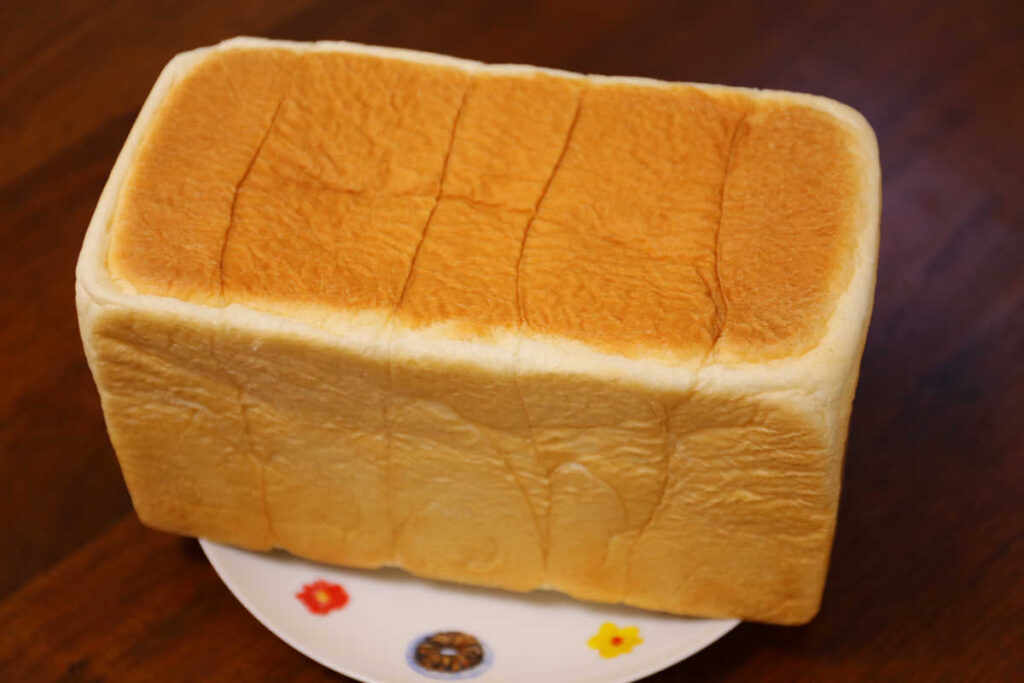 東京エリア限定 湯種食パン Tokyo rich 850円