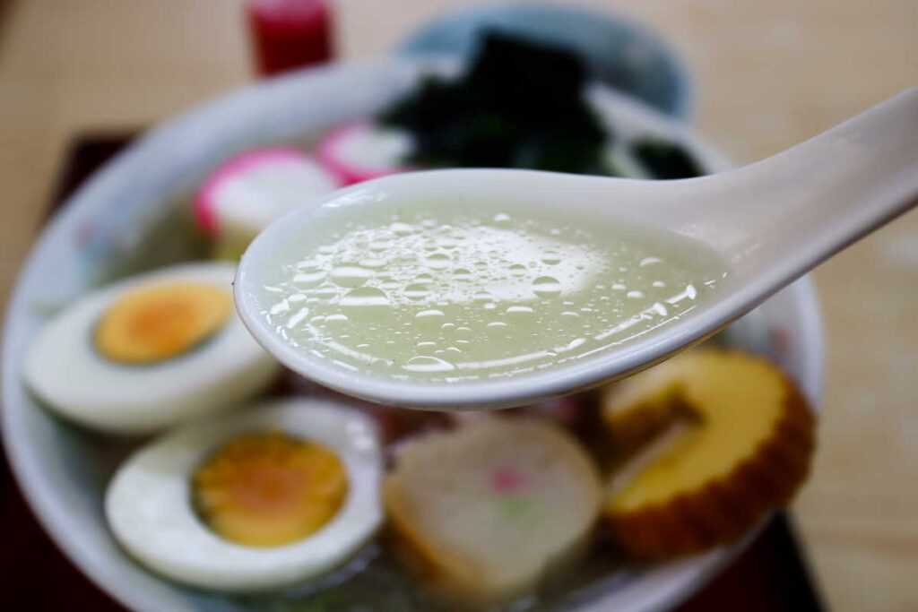 五目ラーメンのスープ