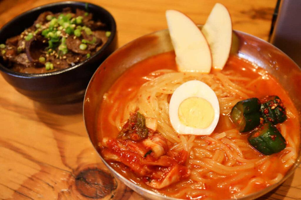 男気焼肉旨味の辛冷麺+タンチャーシュー丼  1,180円