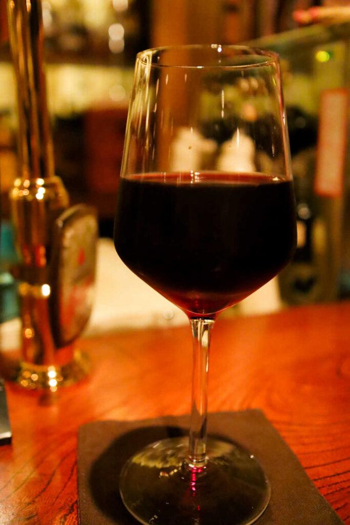 赤ワイン 550円