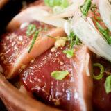 海鮮居酒屋 爺(じじい)のカツオてこね寿司と日本酒会津中将の夏限定吟醸酒