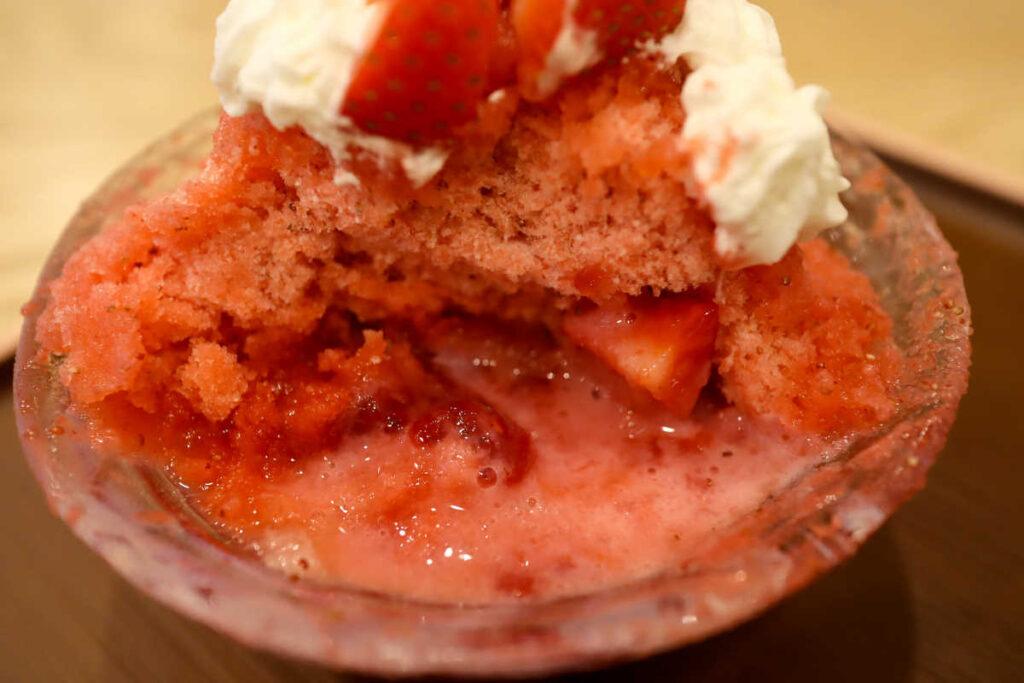 イチゴのかき氷の中身