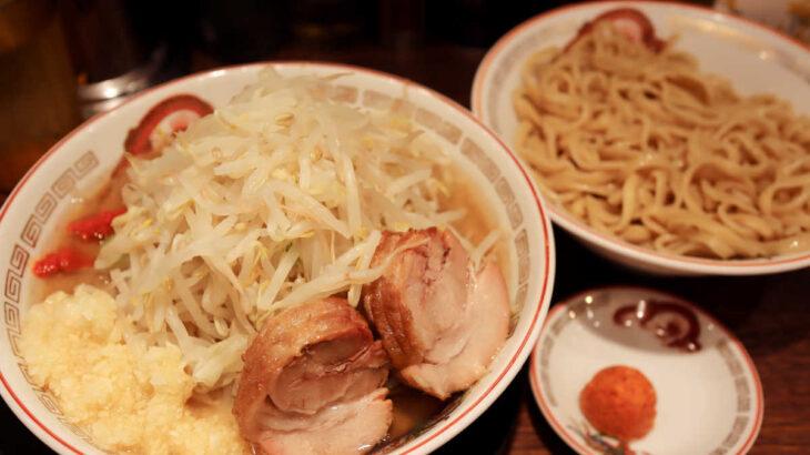 ラーメン豚山の旨辛つけ麺と豆板醤&ニンニクで激辛つけ麺に変身