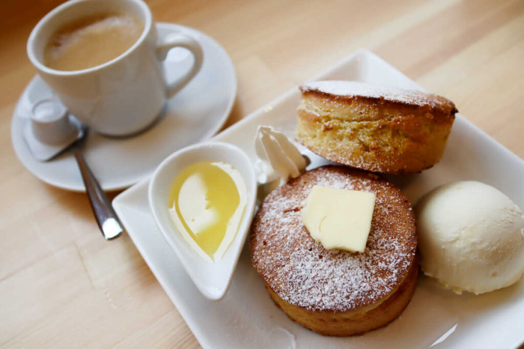 COTORO 極厚パンケーキとコーヒー