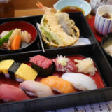 下高井戸 旭鮨総本店のランチ松花堂と渡り蟹のお味噌汁