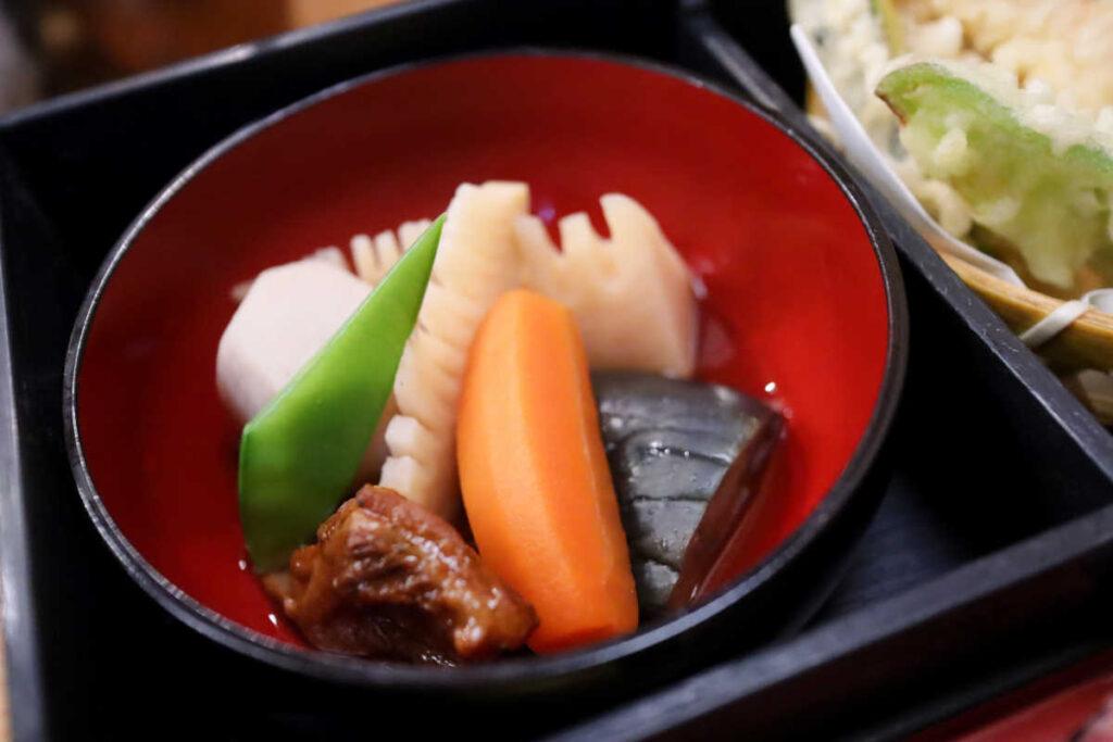 旭鮨の煮物
